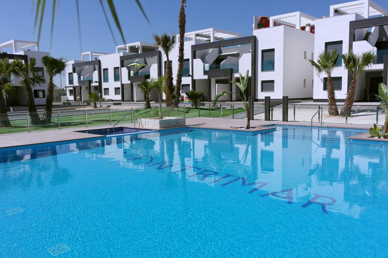 Oasis Beach XIII El Raso - Verð frá €149.000